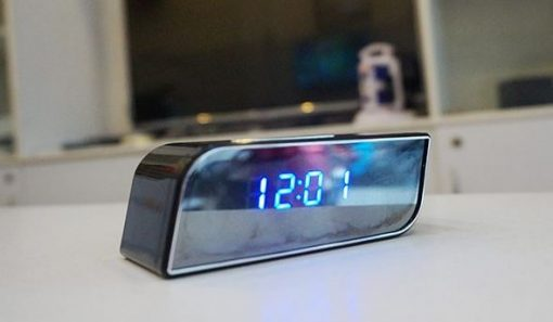 Camera wifi ngụy trang đồng hồ để bàn sở hữu những tính năng nổi bật so với các thiết bị cùng loại trên thị trường