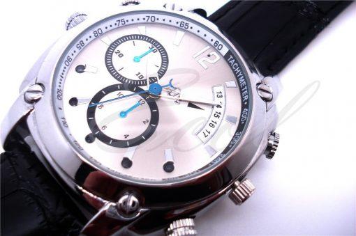 Đồng hồ camera W7000 ngụy trang ghi hình vào cả ban đêm nhờ camera hồng ngoại tốt nhất hiện nay.